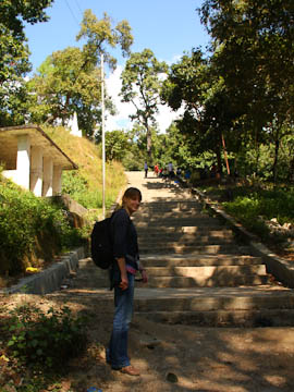 Treppenstufen hinauf zu Vajra Yogini