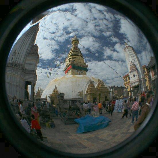 Die Stupa des Monkey Temple durch ein Fisheye gesehen